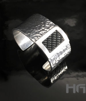 HEIN-VAN-DEN-BOSCH-DESIGN-Armband-Spang-Carbon